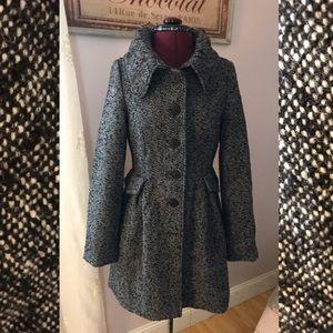 Pretty tweed BB Dakota coat!